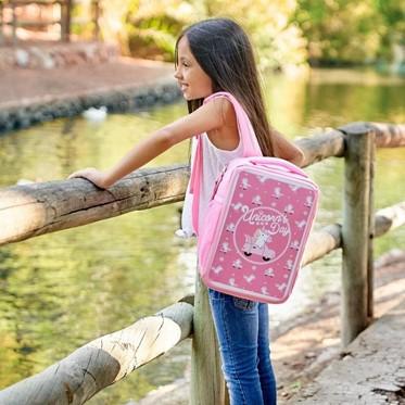 ¡Lleva una mochila diferente cada día, lleva MIMETIC!